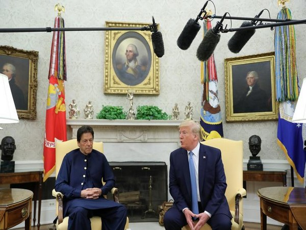 Pakistan Prime Minister Imran Khan (L) with US President Donald Trump (R) in Washington on July 22 (Photo/Reuters)