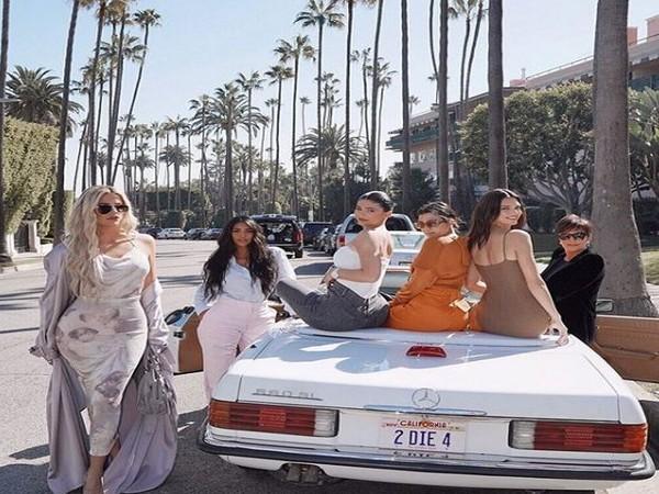 Kim Kardashian along with Kendall Jenner, Kris Jenner, Khloe Kardashian, Kylie Jenner, Kourtney Kardashian (Image courtesy: Instagram)