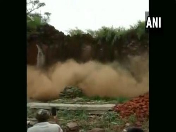 A house in Hosuru village of Gadag collapsed today, following incessant rainfall. [Photo/ANI]