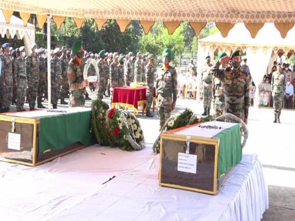 Wreath-laying ceremony of Major Rohit Kumar and Major Anuj Rajput