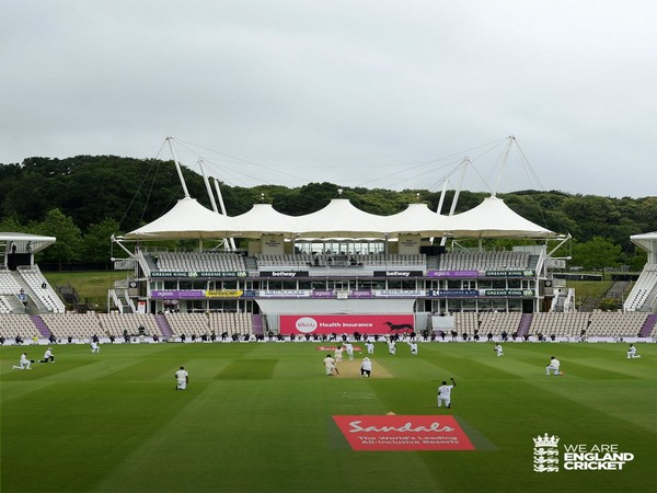 Cricketers take a knee before the start of Southampton Test  (Image: England Cricket's Twitter)