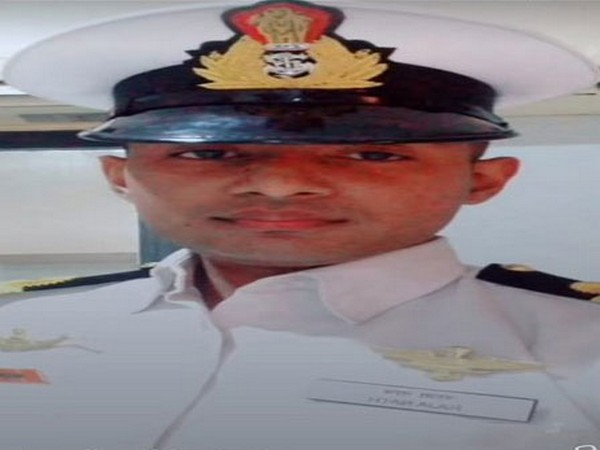 Kerala police arrests 23-year-old man for posing as an Indian Navy officer. (Photo/ANI)