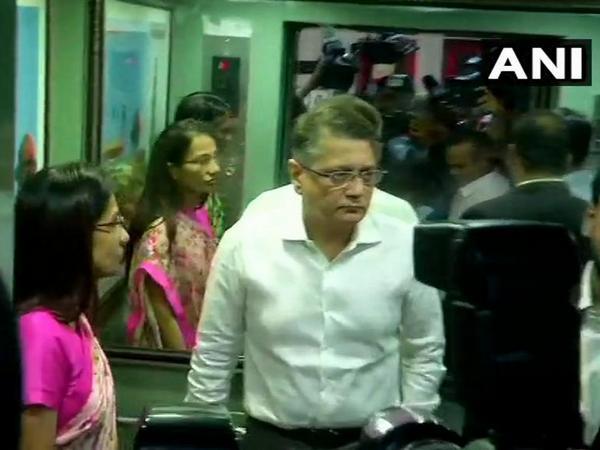 Chandha Kochhar and her husband Deepak Kochhar arriving at ED office in Delhi on Tuesday.