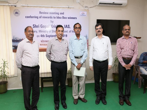 Secretary of the Union Ministry of Shipping Gopal Krishna (second from left) at the felicitation function in Kolkata on Friday. Photo/ANI
