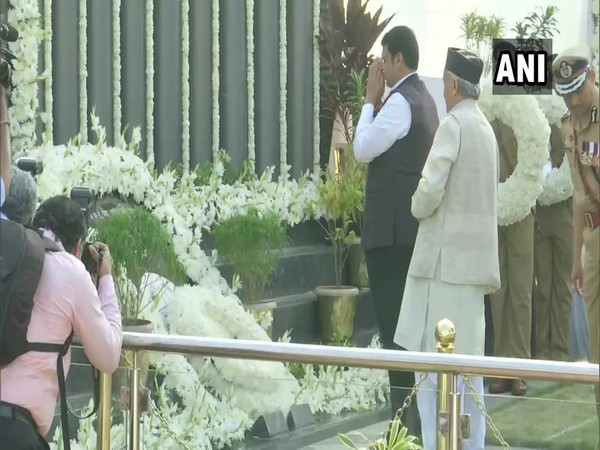 Maharashtra CM Devendra Fadnavis and Governor Bhagat Singh Koshyari pay tribute at Police Memorial at Marine Drive on 11th anniversary of 26/11 Mumbai Terror Attack today.