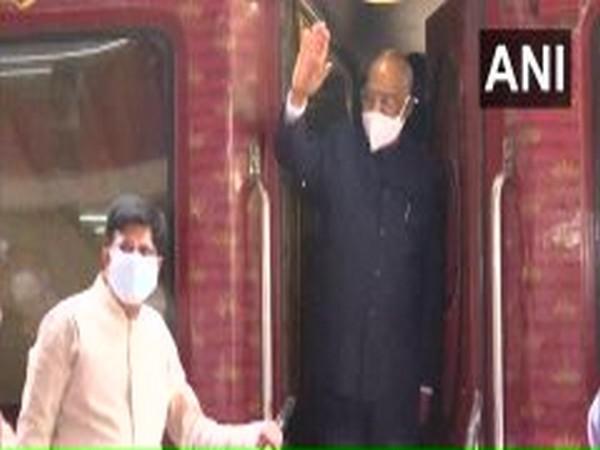 President Ram Nath Kovind along with his wife Savita Devi Kovind leave for Kanpur. Photo/ANI