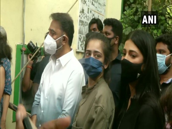 Kamal Haasan and his two daughters Shruti Haasan and Akshara Haasan on Tuesday cast their votes.