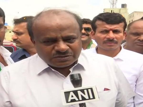 HD Kumaraswamy talking to ANI in Bengaluru on Monday