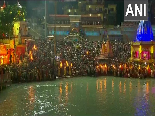 Massive crowd gathered at Haridwar's Har Ki Pauri for Ganga Arti, amid rising number of COVID19 cases in the country