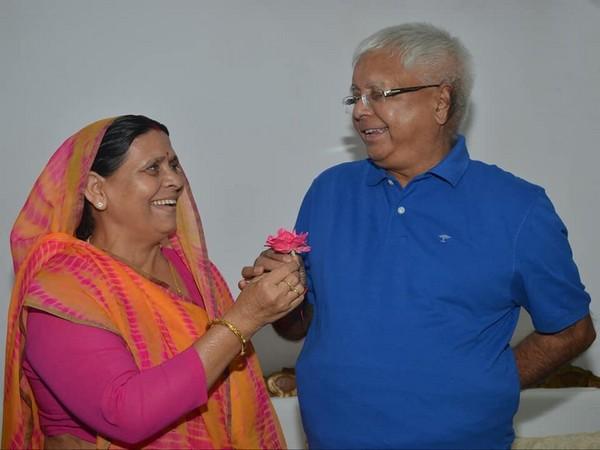 Rabri Devi and Lalu Yadav (pic courtesy-Twitter)