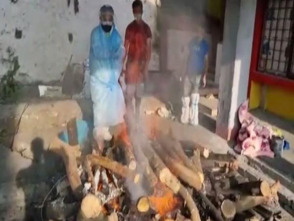 Neeraj Zimba Tamang, Bharatiya Janata Party MLA does cremation work