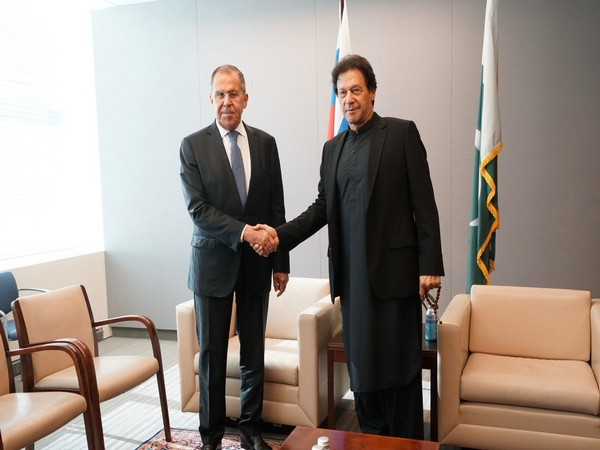 Russian FM Sergei Lavrov met pakistan PM Imran Khan on the sidelines of UNGA session in New York on Thursday. (Photo courtesy: MFA Russia Twitter handle)