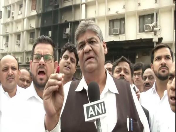 Mukesh Jain, lawyer at Tis Hazari Court, speaking to ANI in New Delhi on Wednesday. Photo/ANI