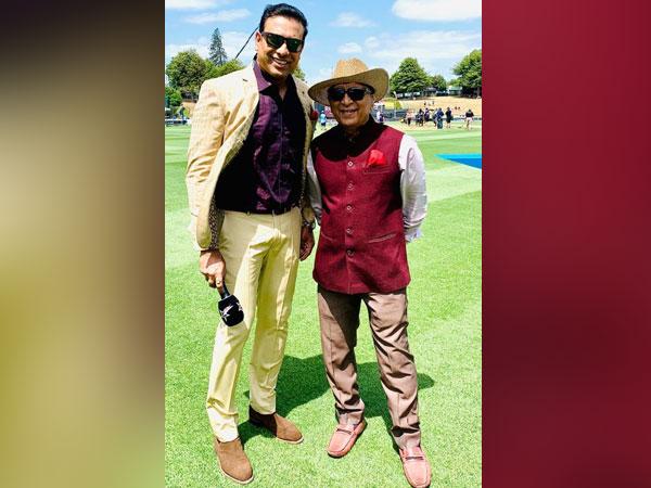 Sunil Gavaskar with VVS Laxman (Photo/VVS Laxman Twitter)