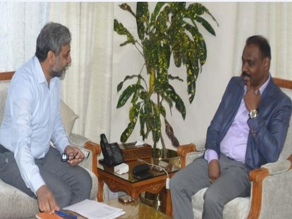 L-G Girish Chandra Murmu, right, meeting Principal Secretary, Home, Shaleen Kabra here in Jammu on Monday. Photo/ANI