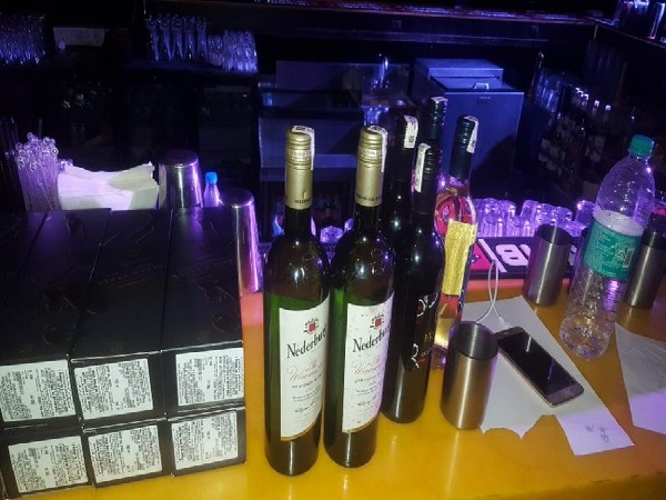 Excise department seizes liquor from a bar and night club in Delhi. Photo/ANI