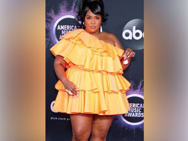 AMAs 2019: Lizzo's miniature purse hogs limelight at red carpet