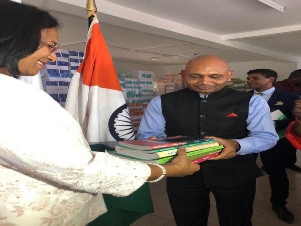 India hands over 100,000 academic text books to Madagascar