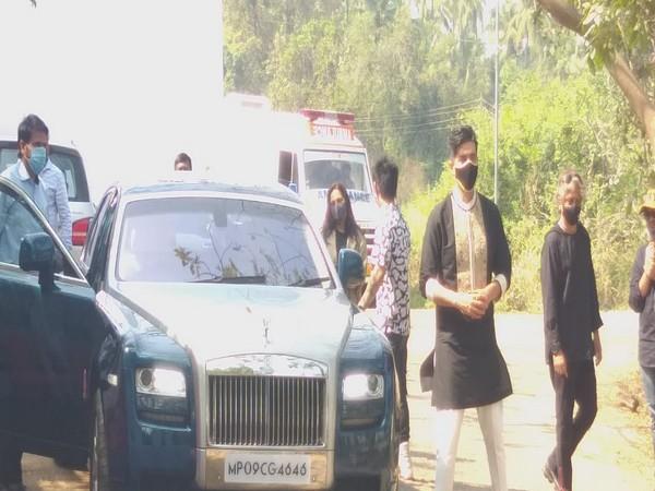 Manish Malhotra outside Varun Dhawan, Natasha Dalal's wedding venue