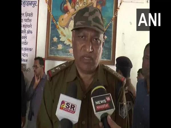 Girwar Singh Jalodia Police officer at Kotwali Police Station speaks to ANI on Friday [Photo/ANI]