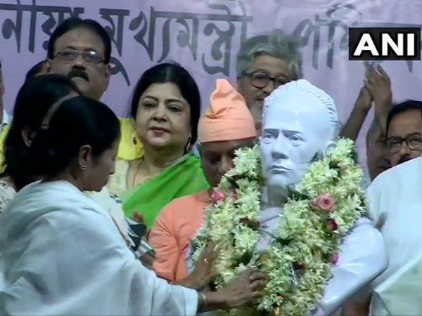 : West Bengal CM Mamata Banerjee garlands the bust of Ishwar Chandra Vidyasagar at a ceremonial programm
