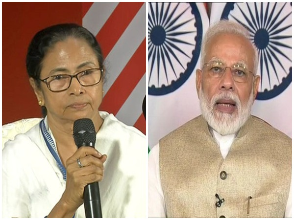 West Bengal Chief Minister Mamata Banerjee and Prime Minister Narendra Modi. (File photo)