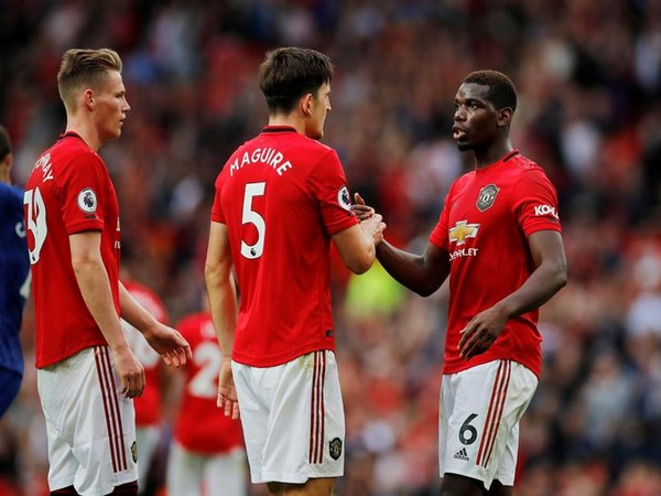Manchester United trounced Arsenal by 4-0 in the Premier League game on Sunday.