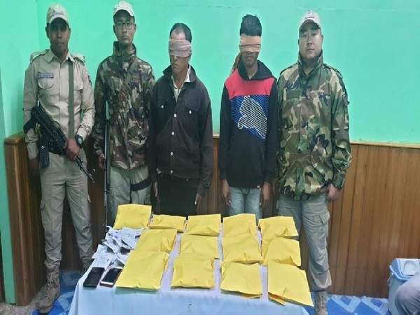 The two accused arrested with 10 kg of Opium in Manipur.
