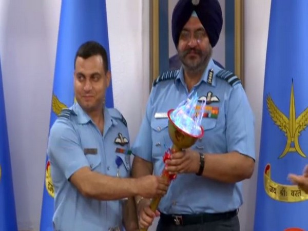 IAF chief BS Dhanoa (right)