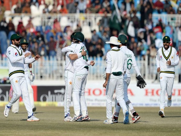 Pakistani players celebrating after taking a wicket. (Photo/ICC Twitter)