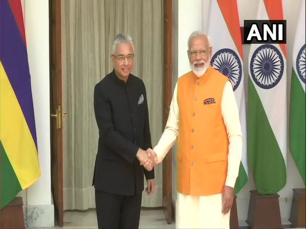 Mauritius Prime Minister Pravind Jugnauth with Prime Minister Narendra Modi at the Hyderabad House in New Delhi on May 31 (Photo/ANI)