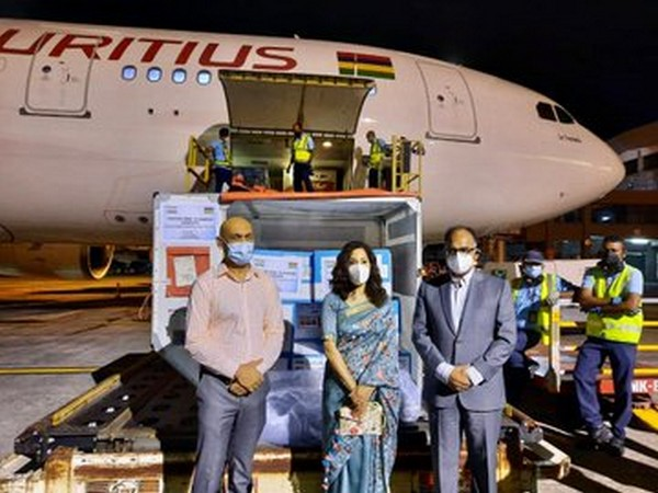 Commercial supply of 200,000 doses of 'Made in India' vaccines was handed over to Mauritius (Pic credit: India in Mauritius Twitter)
