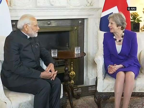 Prime Minister Narendra Modi with British counterpart Theresa May (file photo)