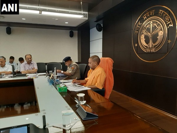 CM Adityanath took meeting with Chief Secretary and senior police officials in Lucknow on Monday