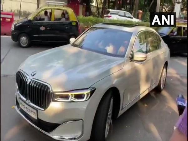 BJP MP Sanjay Kakade reached NCP Chief Sharad Pawar's residence in Mumbai on Sunday morning.