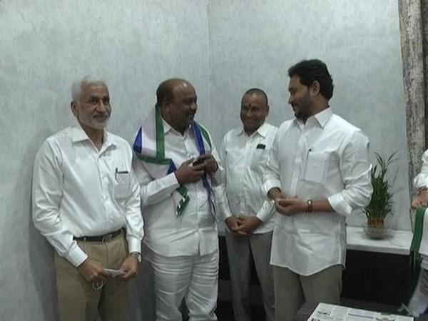 Former TDP leader Panchakarla Ramesh Babu joins YSRCP in presence of Andhra Pradesh Chief Minister YS Jaganmohan Reddy (Photo/ANI)