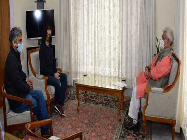 Imtiaz Ali Meets Lt Governor of J&K Manoj Sinha