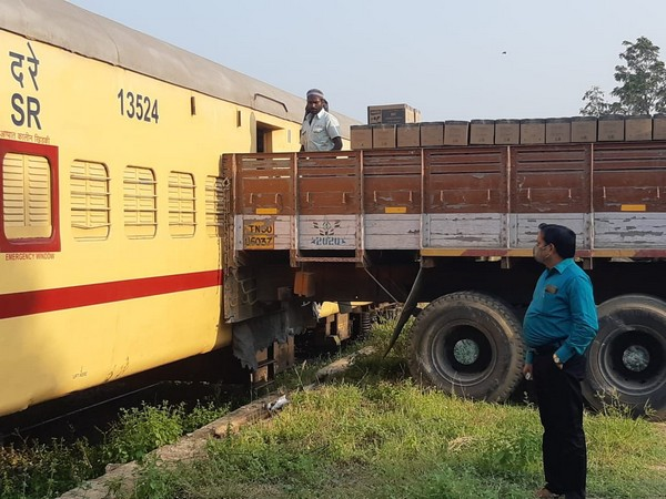 Milk was transported by train to Dimapur, Nagalnd amid the pandemic. (Photo/Twitter)