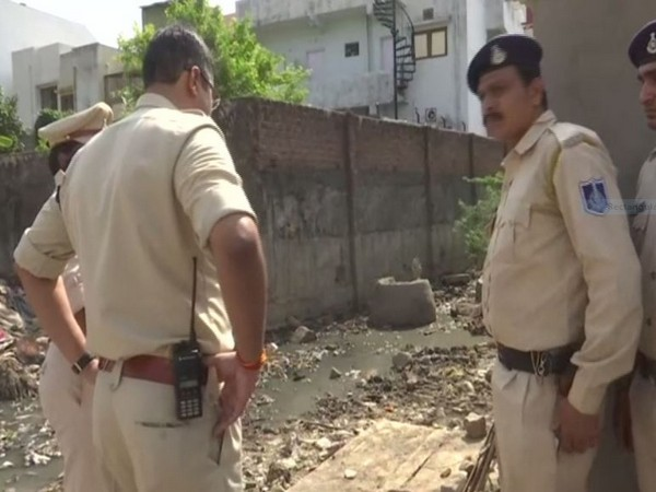 Police personnel at the spot in Bhopal on Sunday. (ANI/Photo)