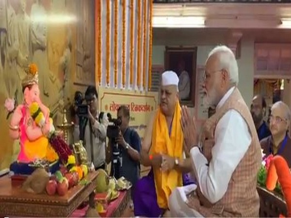 Prime Minister Narendra Modi offering prayers to Lord Ganesh in Mumbai on Saturday. Photo/ANI