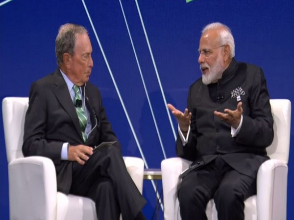 Prime Minister Narendra Modi interacting with Michael Bloomberg at the Bloomberg Global Business Forum in New York. (Photo/ANI)