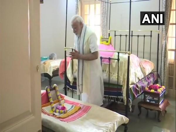 Prime Minister Narendra Modi at Belur Math in Howrah.