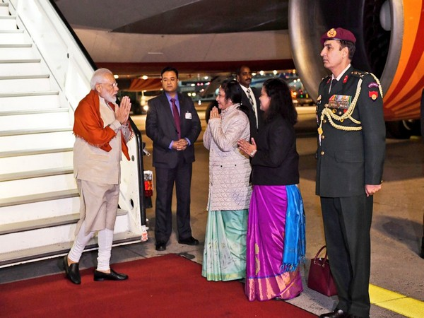 Prime Minister Narendra Modi being received by Mukta Tomar, Indian Ambassador to Germany and Pratibha Parkar, Consulate General of India in Frankfurt. (Twitter)