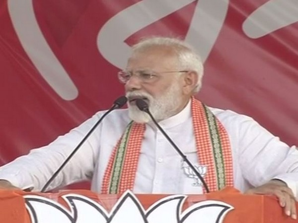 PM Modi addressing a public rally at Barrackpore on Monday