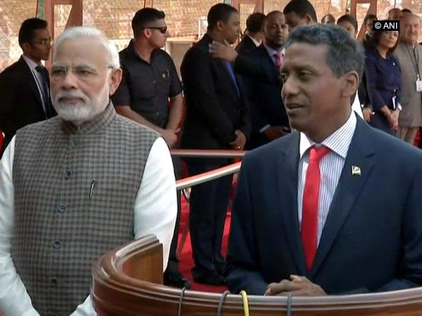 Seychelles President Danny Faure and Prime Minister Narendra Modi
