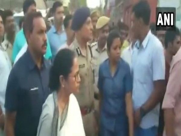 WB CM Mamata Banerjee confronts people chanting 'jai Shri Ram' at North 24 Parganas on Thursday