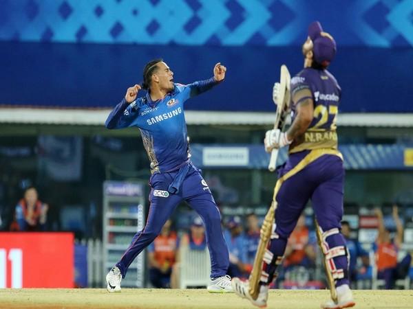 Mumbai Indians spinner Rahul Chahar celebrating after taking Nitish Rana's wicket (Photo/ iplt20.com)