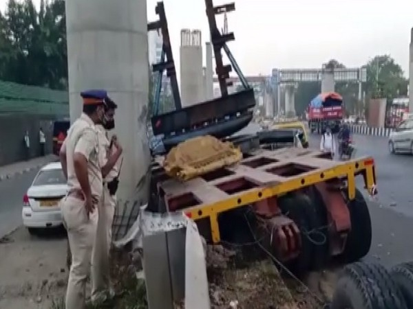 A visual from the spot of accident in Mumbai,