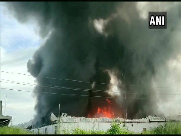 Fire broke out at a godown in Bhiwandi on  Monday. Photo/ANI