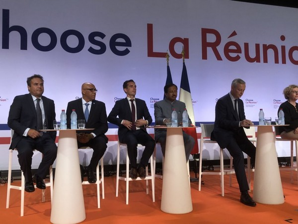 Union Minister V Muraleedharan along with the leaders of France and Vanilla Islands attending the 'Choose La Reunion' in Saint-Denis on Thursday. Photo/Twitter